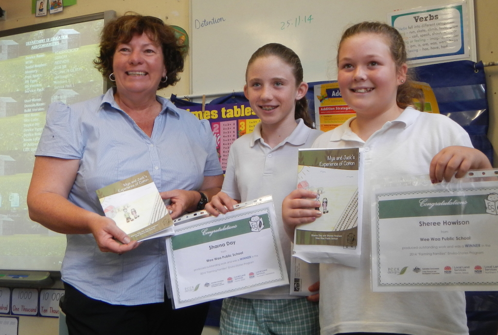 Trudy Staines (CRDC) with Sharna Day and Sheree Howison from Wee Waa Public School
